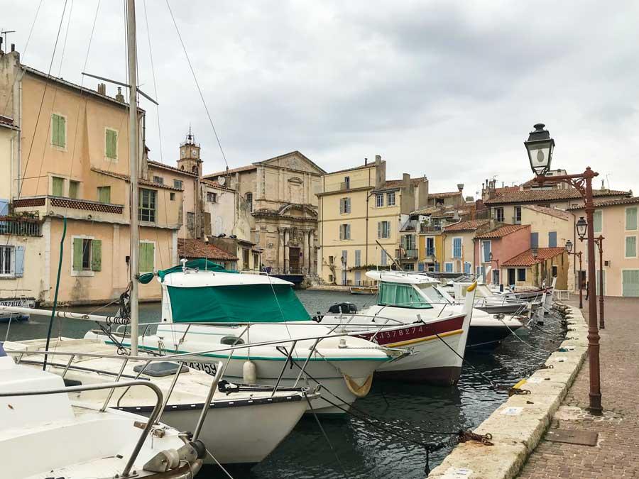 Ein Spaziergang durch die Altstadt von Martigues lässt Erinnerungen an Venedig aufkommen