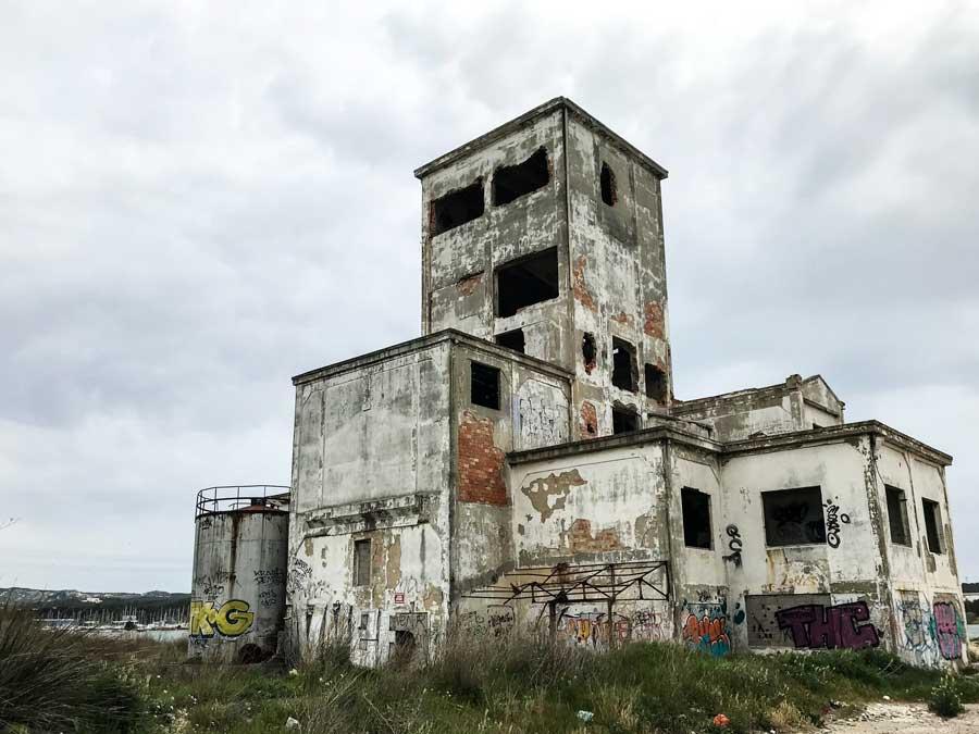 Für Freunde von Industrieruinen hat die Umgebung von Port-de-Bouc Einiges zu bieten