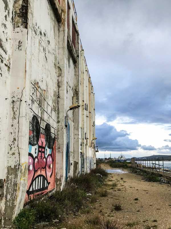 Die Industrieruinen um Port-de-Bouc sind ein Eldorado für Graffitikünstler und Street Artists