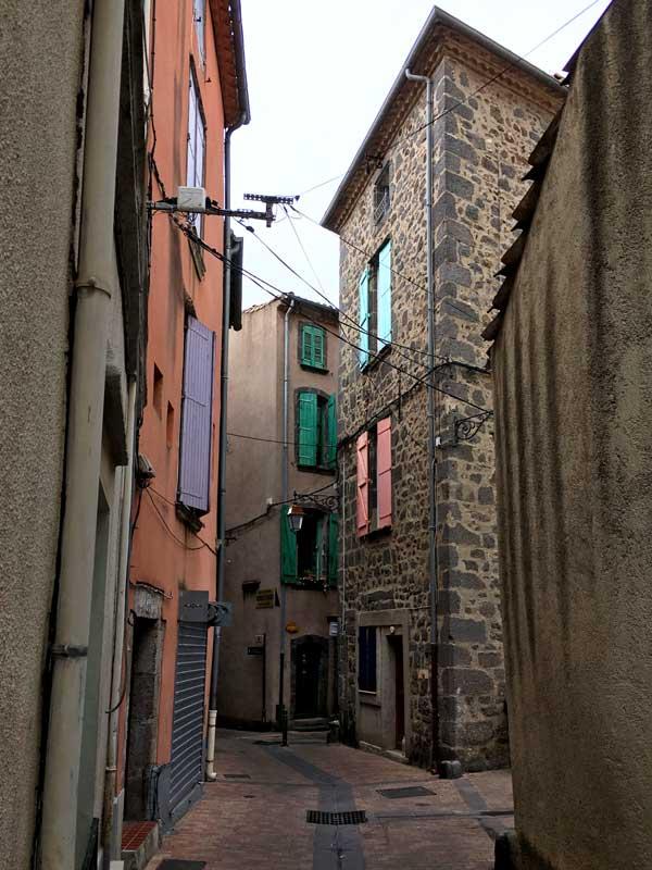 Die engen Gassen der Altstadt von Agde sind sehr malerisch