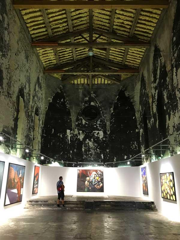 Toller Ausstellungsraum in dieser ehemaligen Kapelle