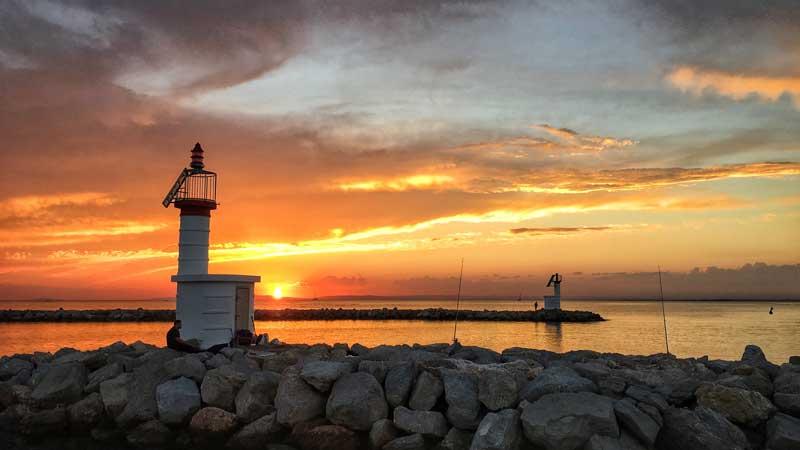 Immerhin die Sonnenuntergänge haben was zu bieten im Port Camargue