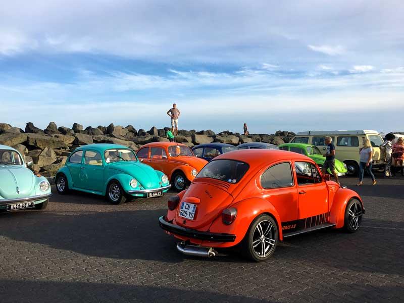 Zum Käfertreffen in Cap d'Agde versammeln sich jede Menge schön restaurierter VW Käfer