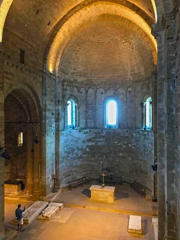 Die ehemalige Kathedrale von Maguelone ist ein impossanter Bau