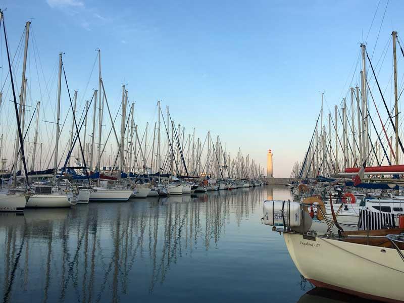 Der Yachthafen von Sète hat schöne Blicke zu bieten