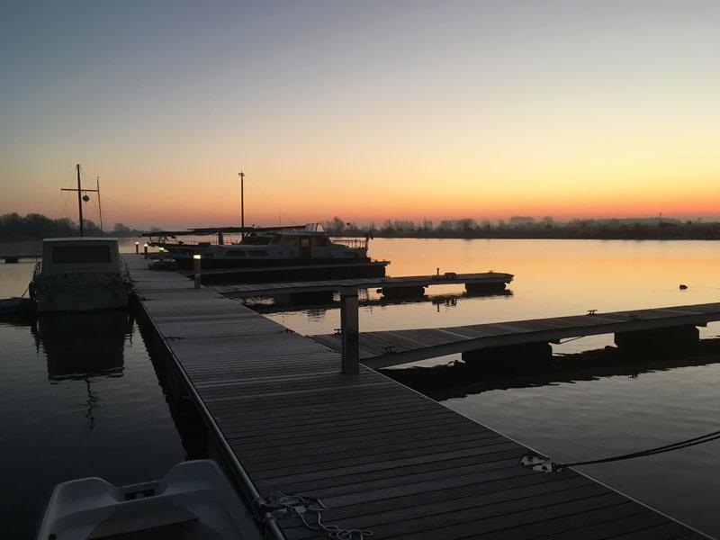 Der Morgen ist wunderschön, aber frostig