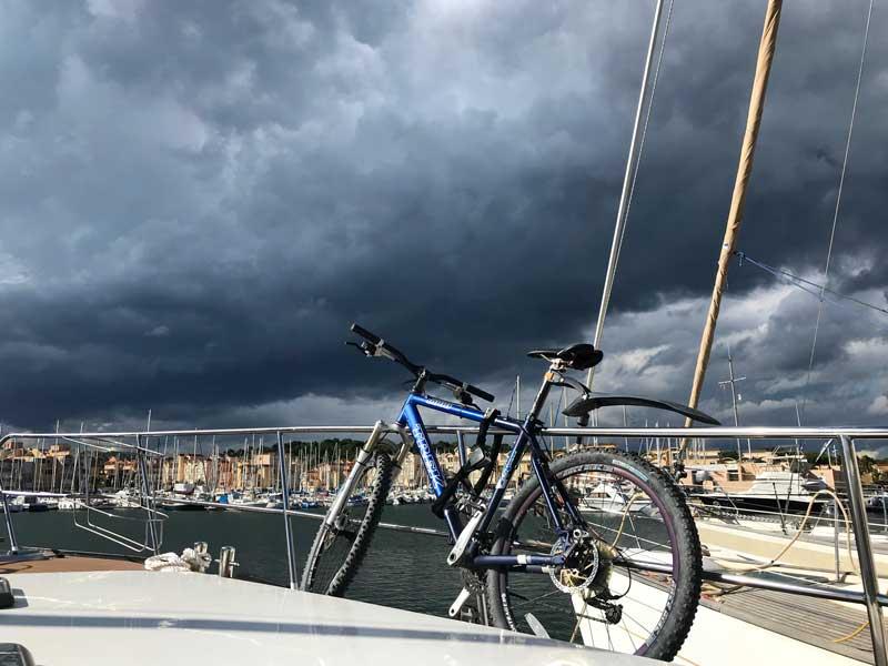 Gewitter im Hafen von Gruissan