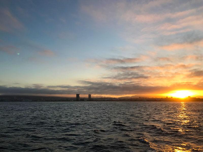 Ein Blick zurück auf die Skyline von Marseille