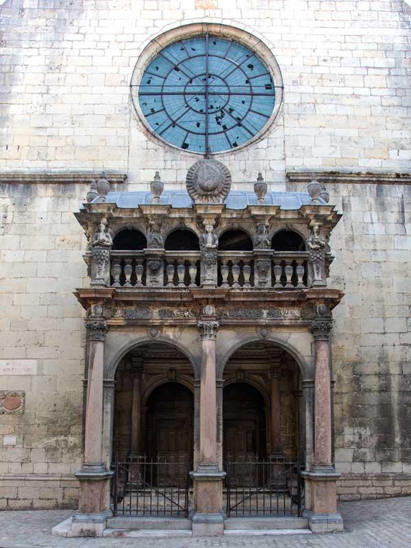 Chapelle des Jesuites in Dole, nicht gut in Schuss