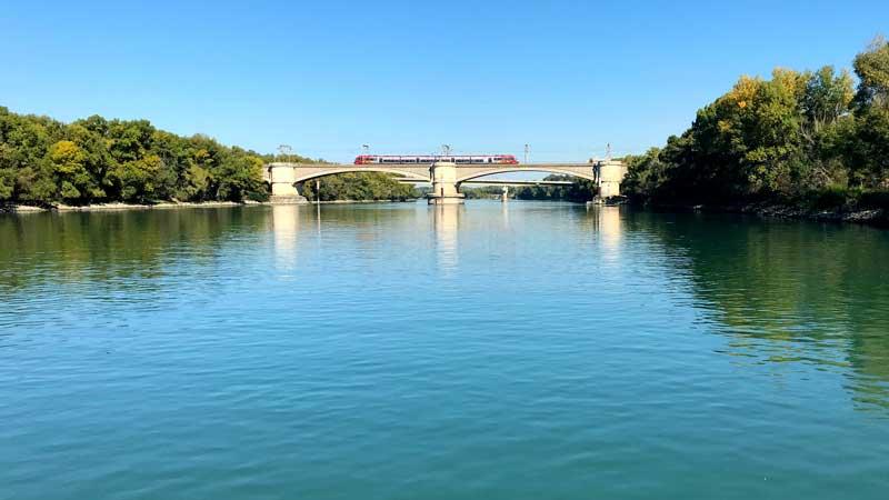 Brücke über die Rhône