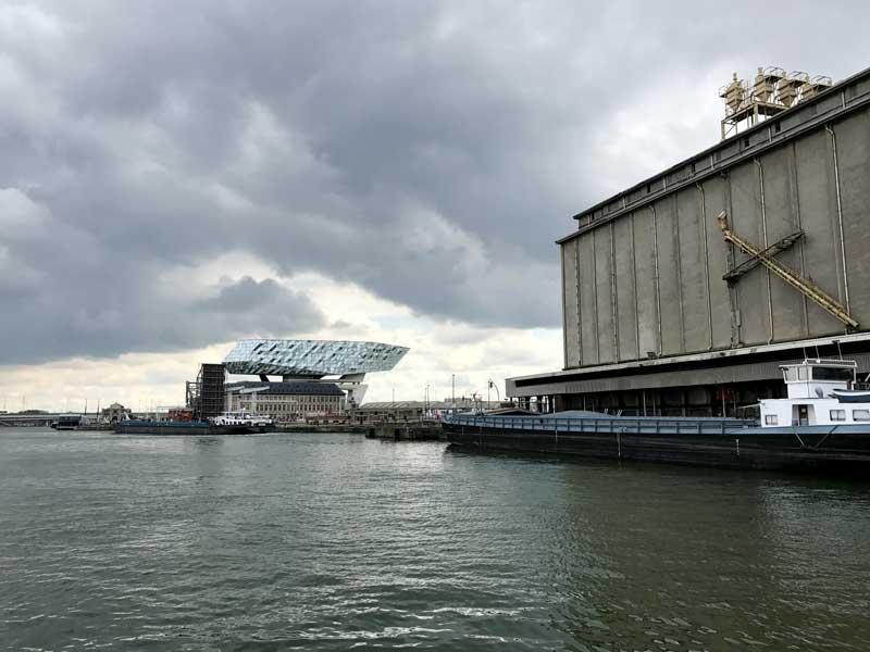 Zaha Hadid hat das Porthouse in Antwerpen entworfen