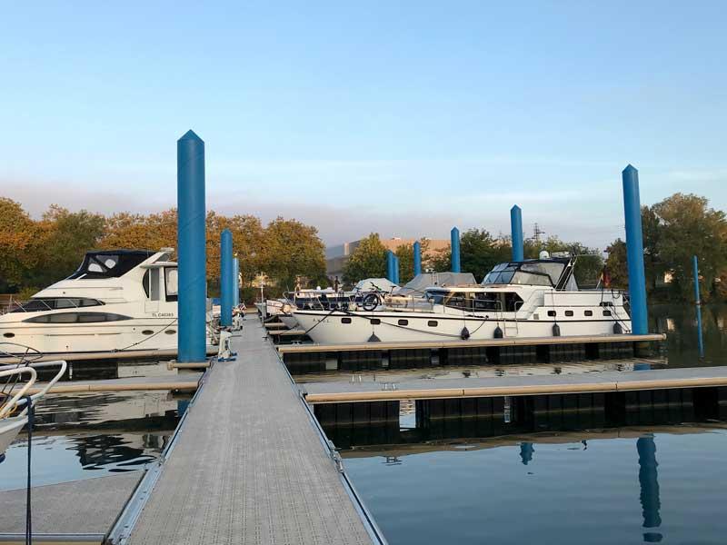 Der Liegeplatz der AWOL im Yachthafen Mâcon
