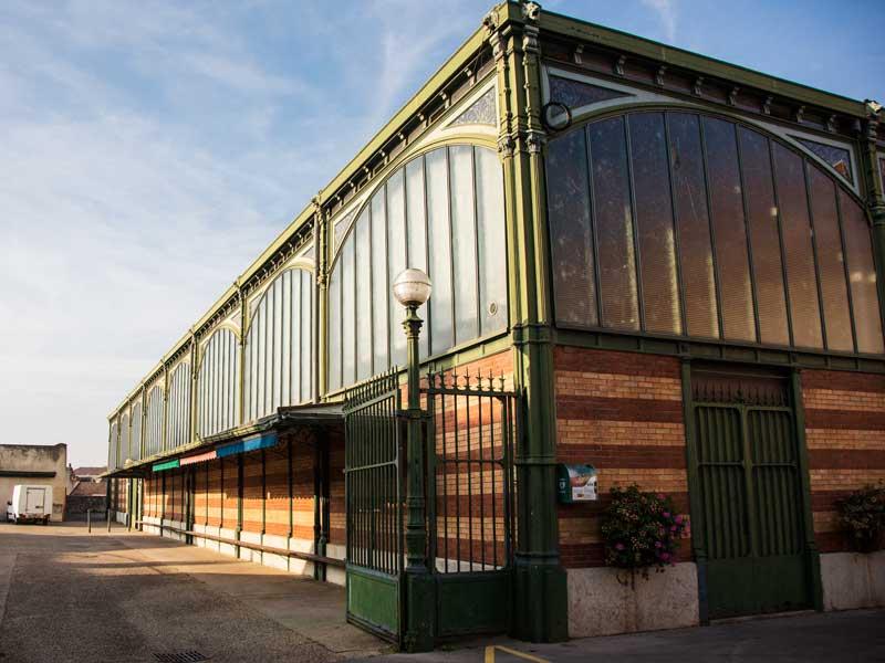 Die alte Markthalle von Dole hat leider nur an wenigen Tagen in der Woche geöffnet