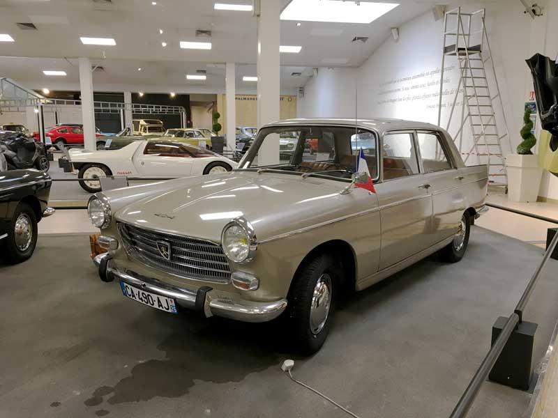 Alter Peugeot im Peugeot-Museum