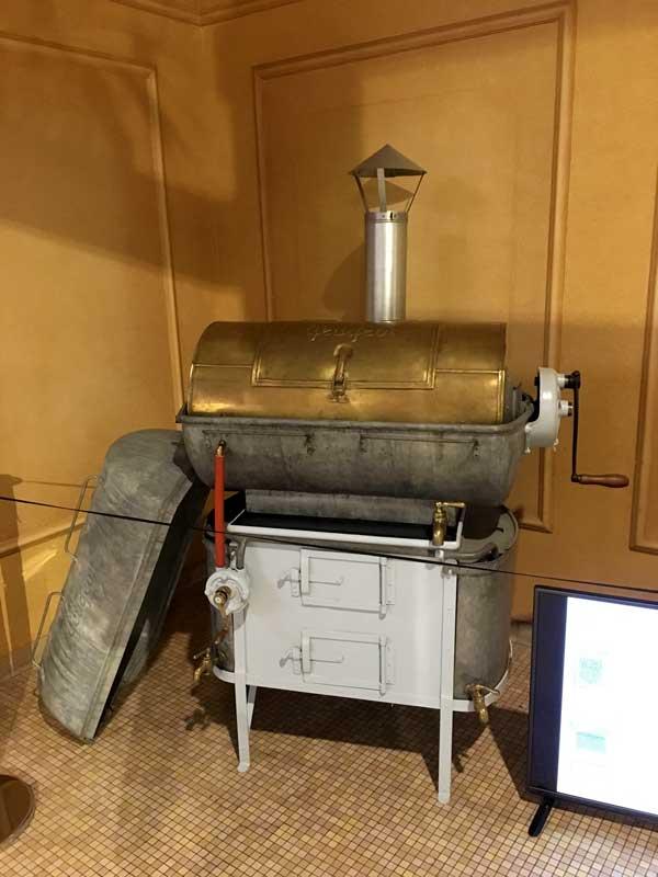 Peugeot hat früher auch Waschmaschinen hergestellt, zu sehen im Peugeot-Museum in Sochaux