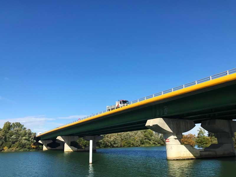 Autobahnbrücke über die Saône