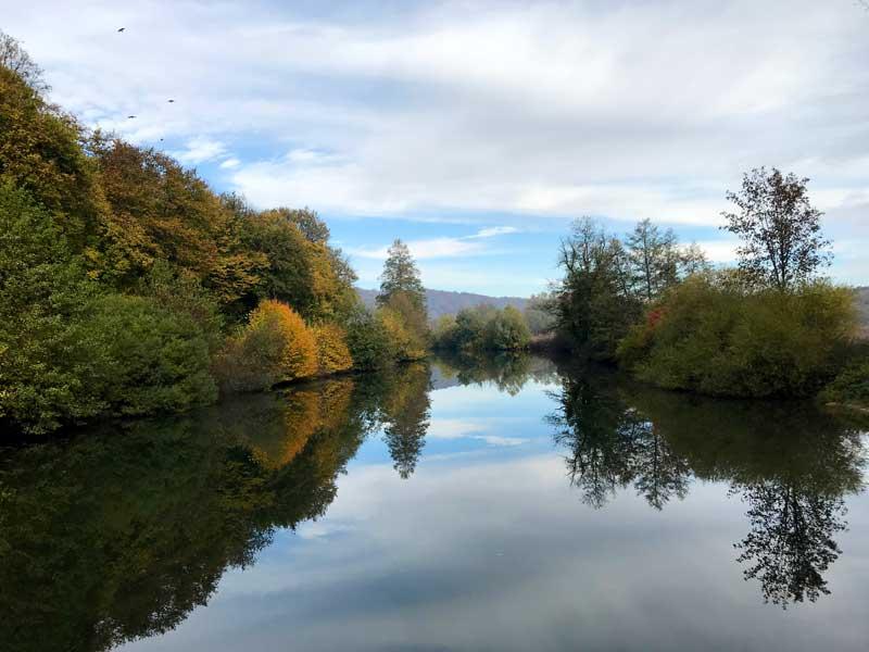 Herbstliche Farben entlang des Canal du Rhône au Rhin, hier bei le Petit Bois