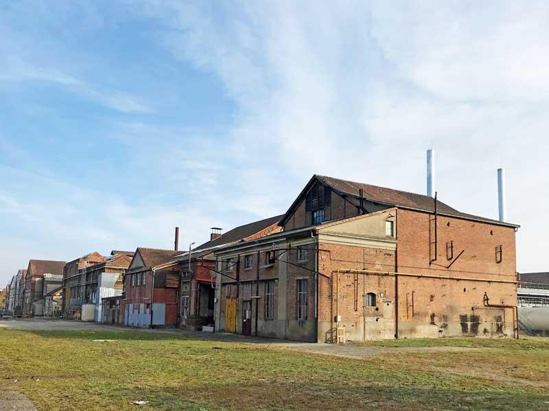Auf dem Gelände der ehemaligen Gießerei von Mülhausen befinden sich viele Fabrikgebäude, die noch genutzt werden