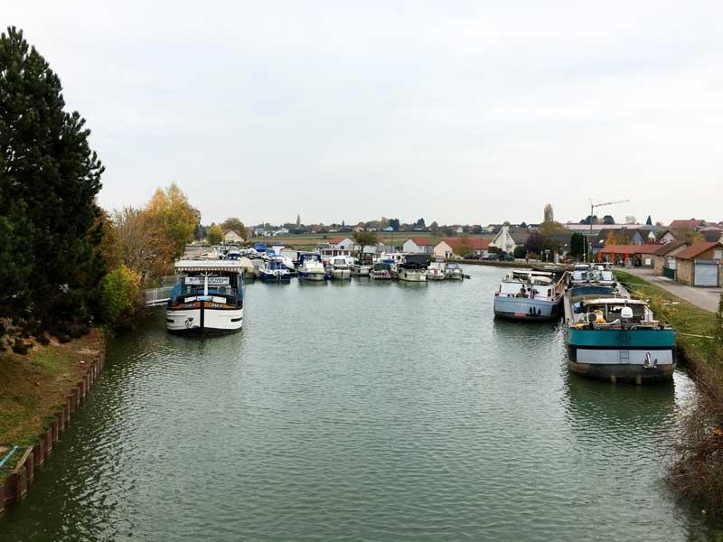 Blick über den Port de Plaisance Dannemarie