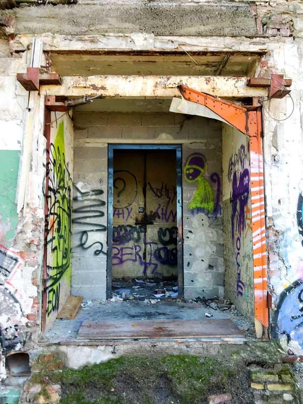 Das alte DMC Gelände bietet viel Platz für Street Artists