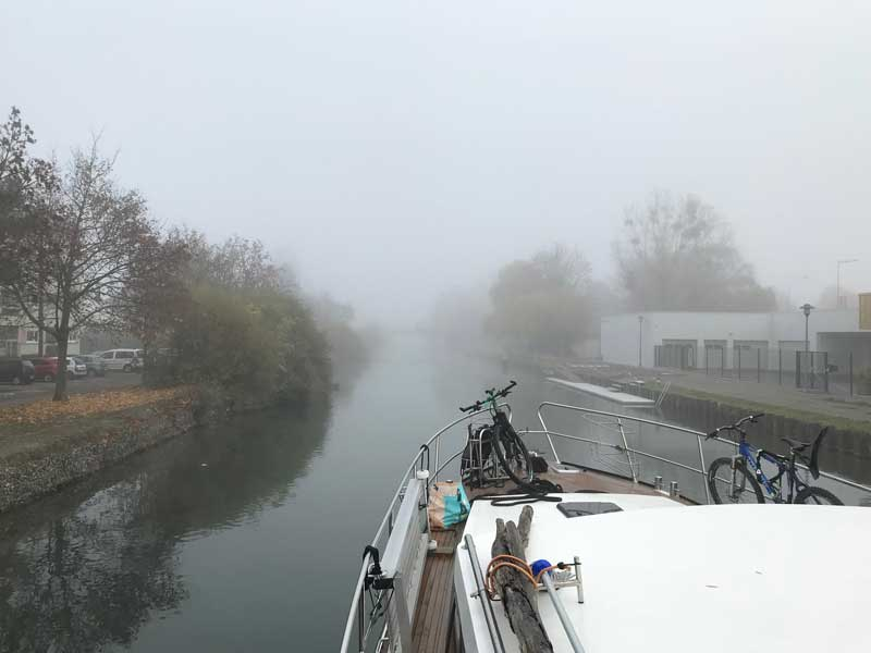 Sobald wir aus der Mülhausener Innestadt raus sind, wird der Nebel dichter