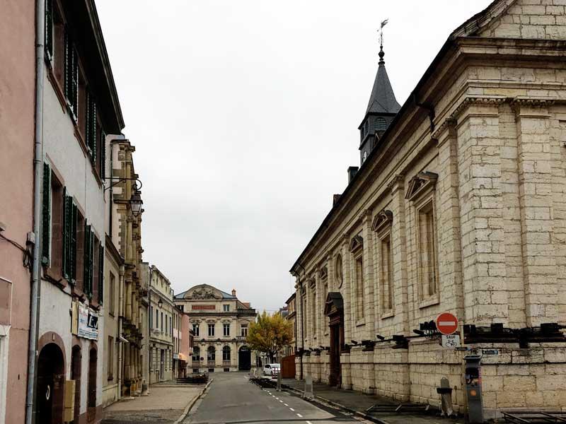 Heinrich Schickhardt hat einige Gebäude in Montbéliard entworfen, unter anderem den Temple Saint-Martin