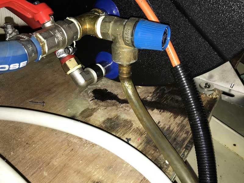 Der Boiler ist nicht dicht zu kriegen, jedenfalls für diesen Handwerker