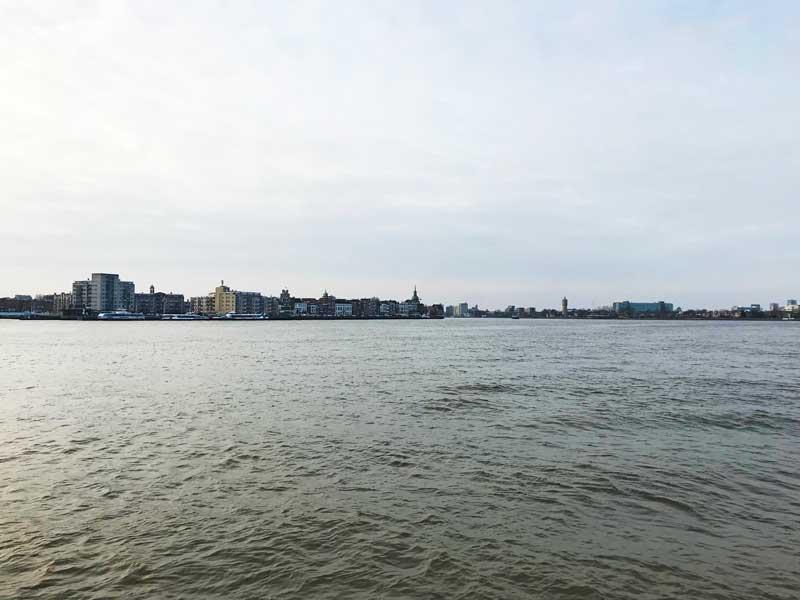 Bei Dordrecht biegen wir rechts in den Kanal Noord ab
