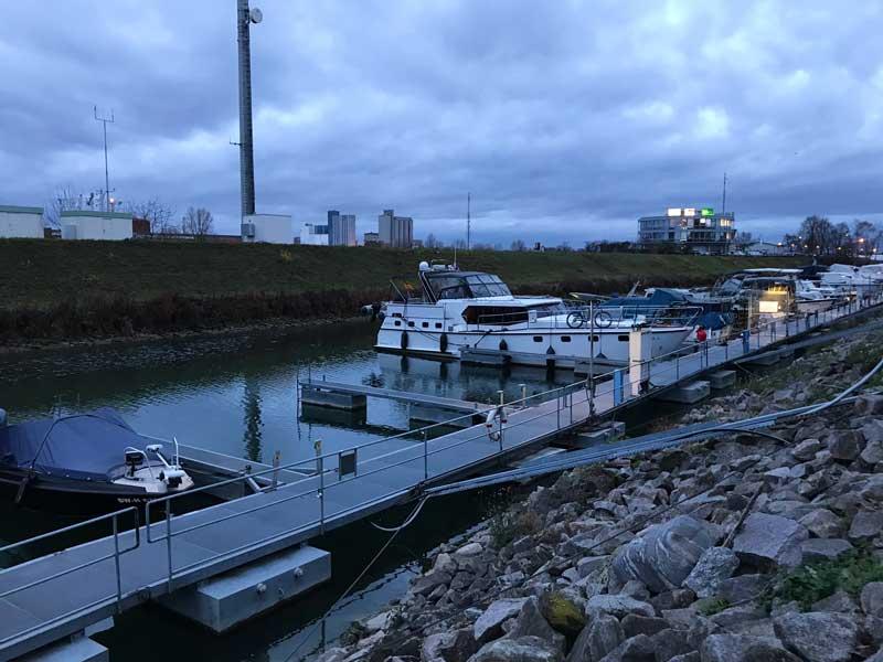 Der Yachthafen Kehl ist alles andere als schön!