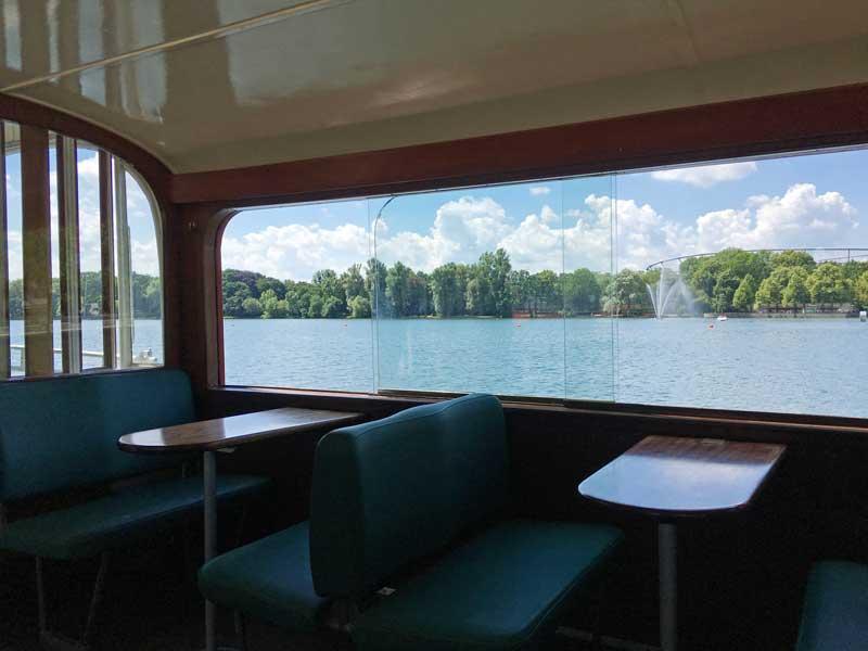 Mit den Schiffen der Maschseeflotte kann man auf dem Maschsee in Hannover herumschippern