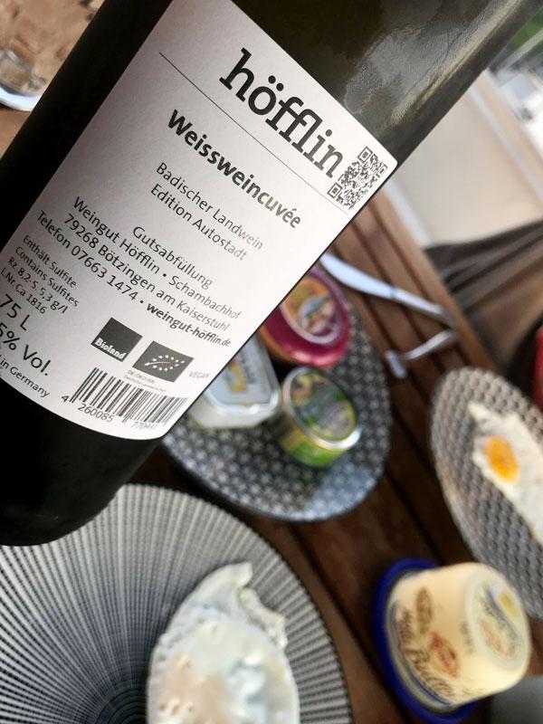 """Zum Abendessen testen wir den badischen Weißweincuvée """"Edition Autostadt"""" aus der VW Autostadt Wolfsburg"""