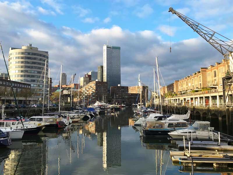Blick über eines der beiden Becken des Entrepothavens Rotterdam