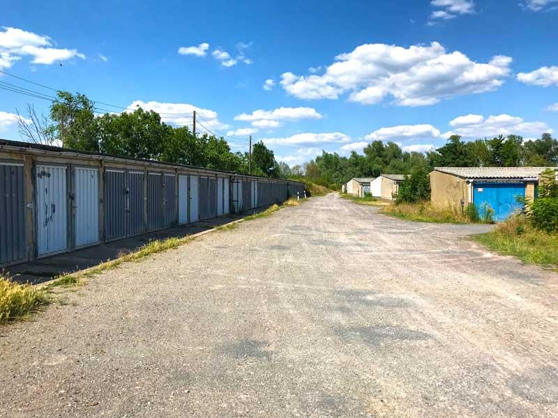 Weitläufige alte Garagenanlage bei Haldensleben