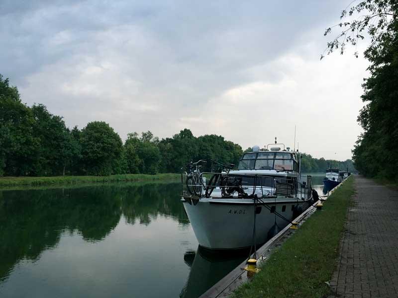 Liegeplatz im Grünen auf dem Ibbenbürener Stichkanal, einem aufgelassenen Stichkanal des Mittellandkanals bei Ibbenbüren
