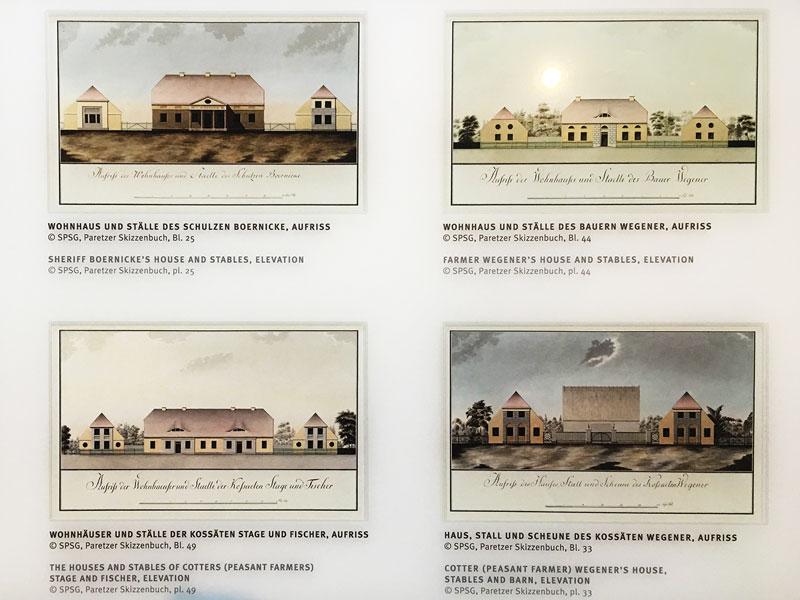 Abbildungen aus dem Paretzer Skizzenbuch im Schloß Paretz. Gezeigt werden hier Entwürfe für Wohnhäuser und Ställe im Musterdorf