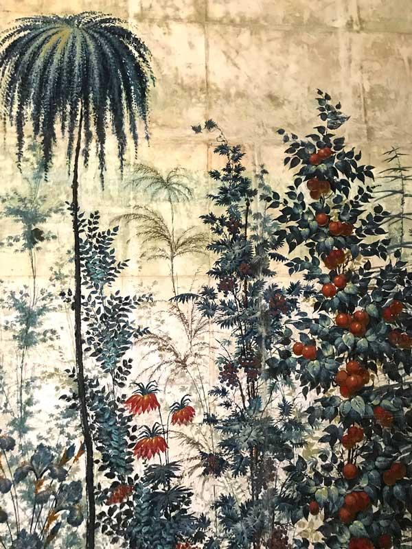 Eine Tapete im Schloß Paretz bei Ketzin Havel mit botanischen Motiven